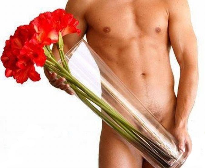 Картинки красивых мужчин с цветами 6