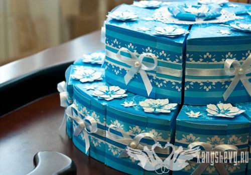 трёхЪярусный торт бонбоньерка