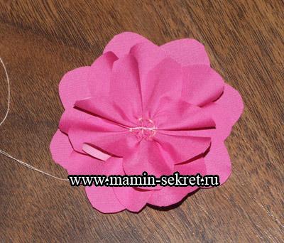 сшиваем тканевый цветок