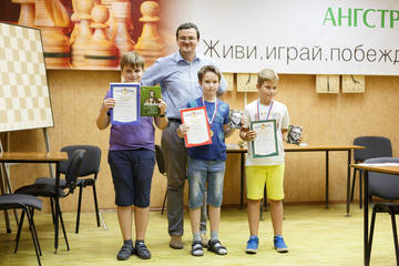 http://s9.uploads.ru/t/KUrZa.jpg