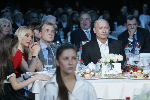 http://s9.uploads.ru/t/Uz8JI.jpg