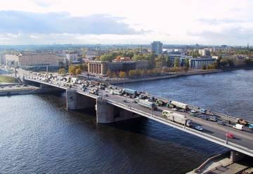 Александр Беглов пообещал петербуржцам новый мост через Неву